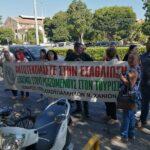 Οι ξενοδοχοϋπάλληλοι περίμεναν τον υπουργό Τουρισμού έξω από το ΕΒΕΧ (pics+vid)